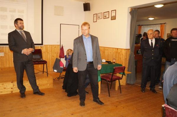 Starosta Mgr.Martin Kadrnožka ,zahájil  přednášku a pozdravil všechny spoluobčany